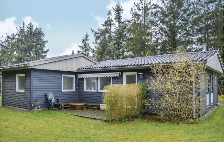 Holiday cottage with 3 bedrooms on 84 m² in Storvorde