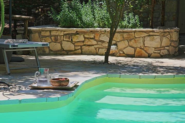 Prasini Luxury Cottage: Stylish private cottage