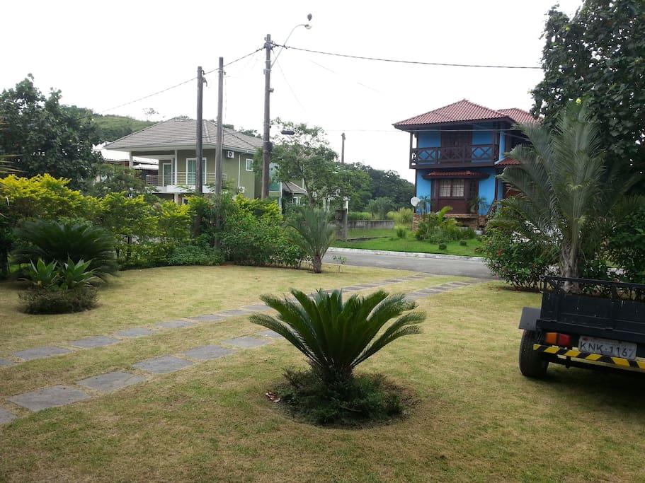 Jardim frontal.