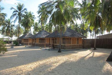 Coconut Cabana with Breakfast - Kudawa - Bed & Breakfast