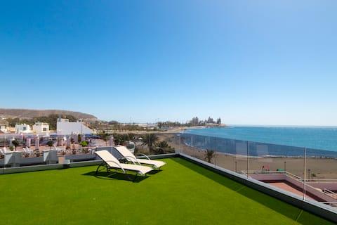 Modern 2 bedroom apt with big balcony and seaviews