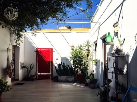 Kalisorta: camera indipendente tra mare e Barocco