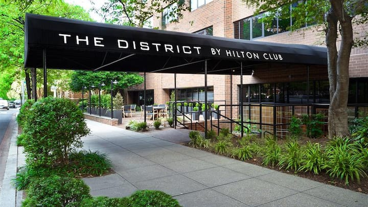 The District at the Hilton Embassy Suites