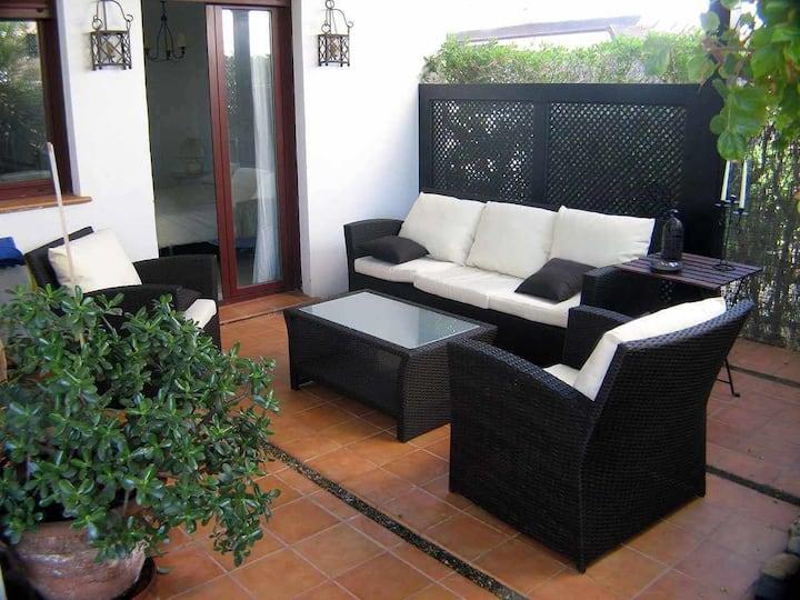 VenAVera C10A - Bajo Jardín 3Dorm/2Baños A Pie de Playa, WIFI