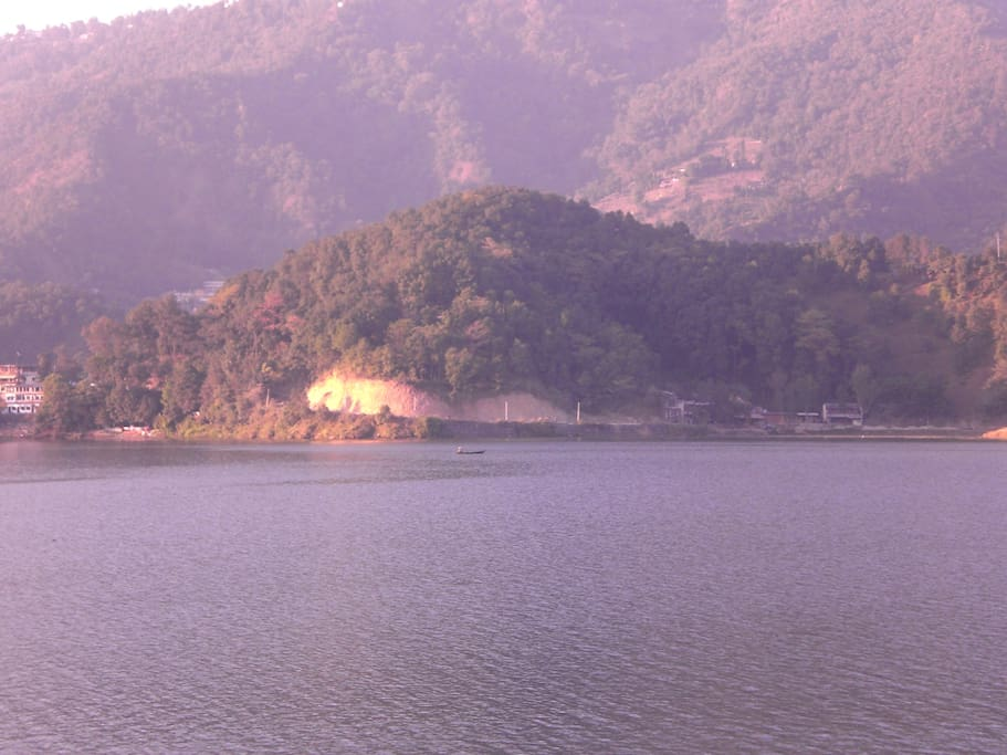 Fewa lake, 30 minutes walking distanxxce