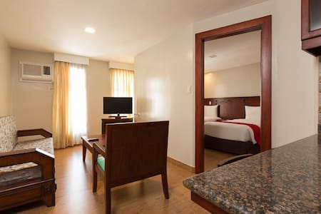 Deluxe Suite for Hannah - Cebu City