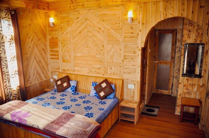3 beedroom| wooden Apple farm stay |