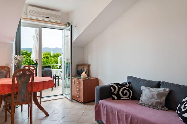 Einladende Wohnung in Viganj mit Patio