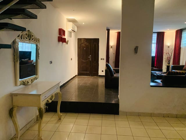 Luxury and Affordable Shortlet 4 bedroom Apartment