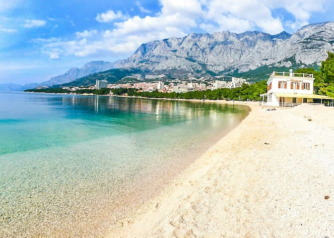 Quiet and relaxing apartment 2+1 - Makarska - Huoneisto