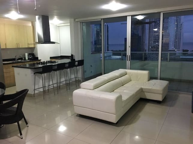 1 Bedroom Apt - Panama City (Costa Del Este)