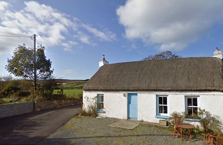 Artisan Thatched Cottage on the Wild Atlantic Way