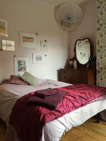 Faithfully restored double room Nr City Centre