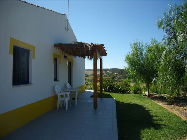 Quinta da Ribeira - Casa Amarela