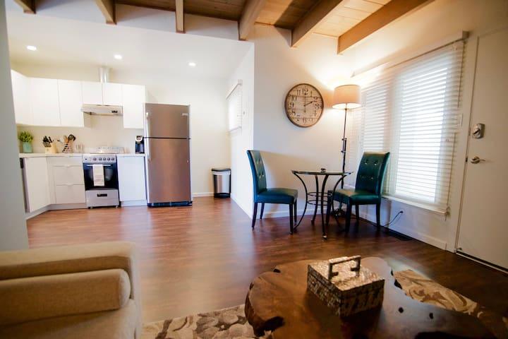 Junior 1 Bedroom, Walk to Caltrain, San Mateo I6