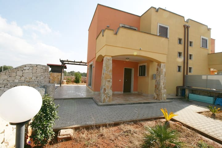 Graziosa villa con giardino S.Maria al Bagno SA112 - Nardò - Villa