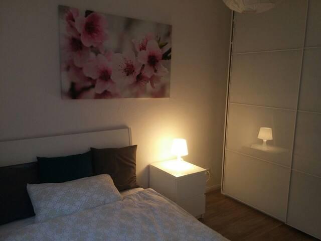 1 Zimmer, alles frisch renoviert, alles neu, ruhig - Ronnenberg - Leilighet