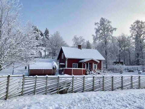 Stuga Isaberg Hestra nära naturen med bastu/sauna