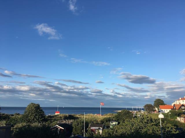 Rækkehus direkte til Sandvig Strand