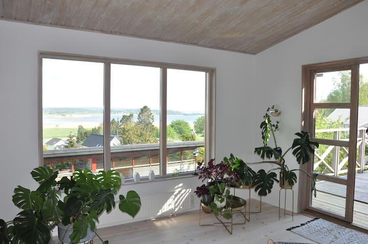 Rymlig villa med utsikt över Onsalafjorden