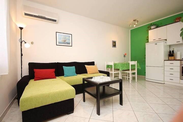 Apartment Casa Pepca (74081-A1)