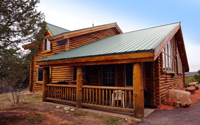 Great 2bd cabin w/ access to Ponderosa Ranch