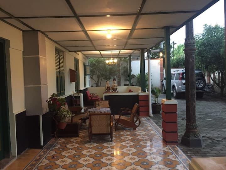 """feel at home """"Pamularsih Homestay"""" Yogyakarta....."""