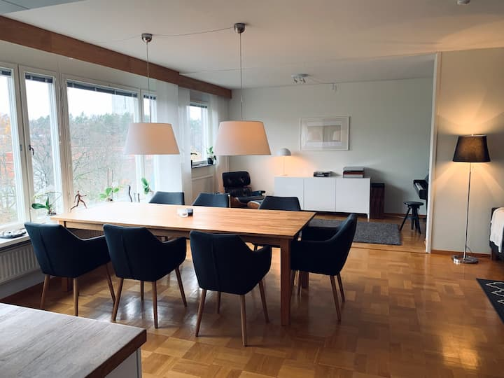 Spacious apartment 15 minutes from center of city.