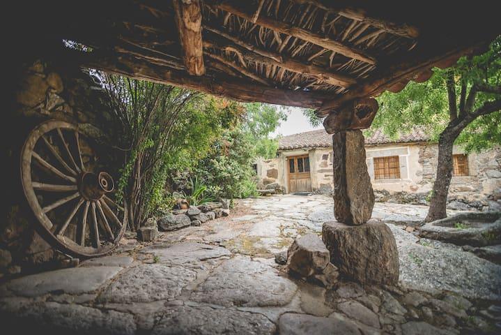 Casas rurales Gredos hija de lalo 10 plazas Avila - Las Navas - House