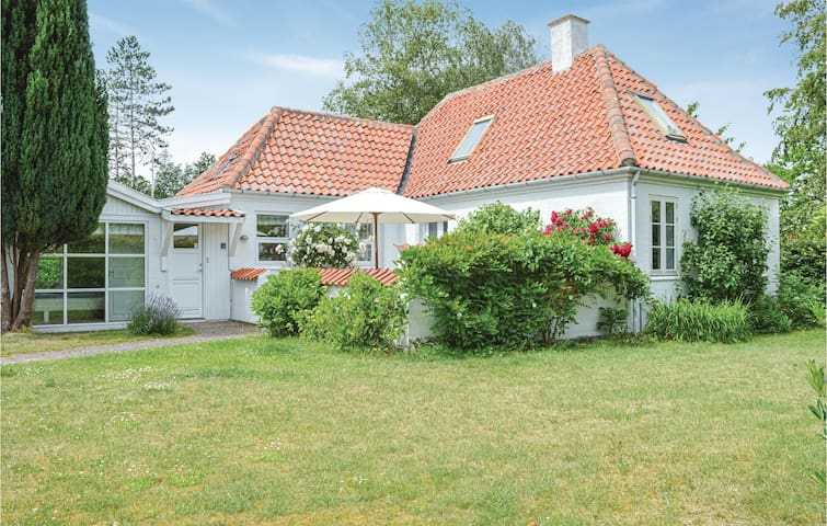 Holiday cottage with 1 bedroom on 74m² in Gilleleje