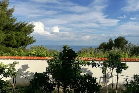 Villetta a 800 metri dal mare - Mattinata