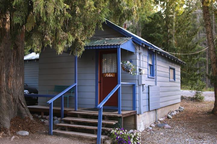 Anker Cabin - Your Flathead Lake Magical Retreat
