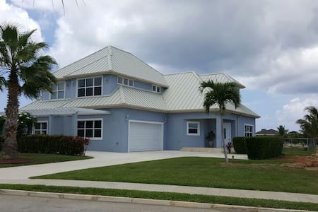2 bed 2 bath in Cayman Luxury Home - Savannah