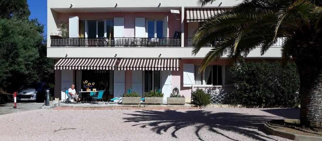 T4 neuf grandconfort  terrasse sud 2*LaCroixValmer