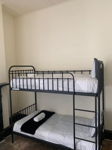 1 bed in 4 bed mixed dorm room
