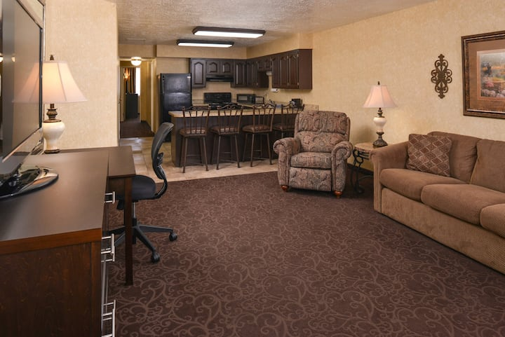 Apartment Suite with Free Breakfast