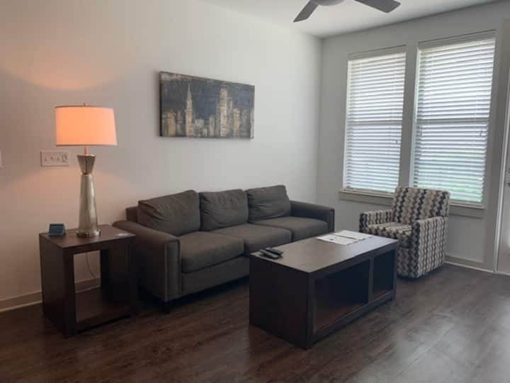 Beautiful fully furnished 2-bedroom in Fort Worth