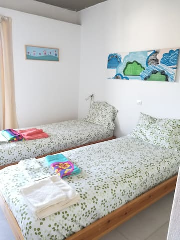 bedroom 3 (with 2 beds)