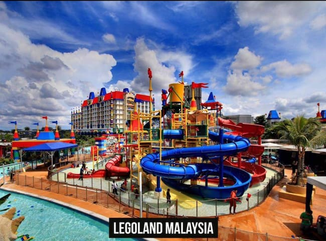 ♛Urban Retreat w Yoga Waterfall - walk to Legoland