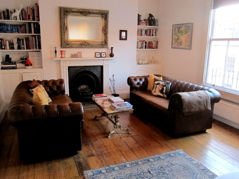 Private use of the sitting room for reading, working, and breakfast