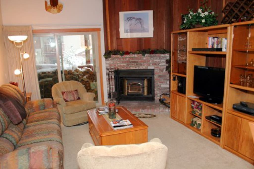 Mammoth Condo Rental Chamonix 40 - LR with Gas Fireplace and Outside Deck Access