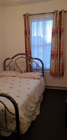 Southall double bed room