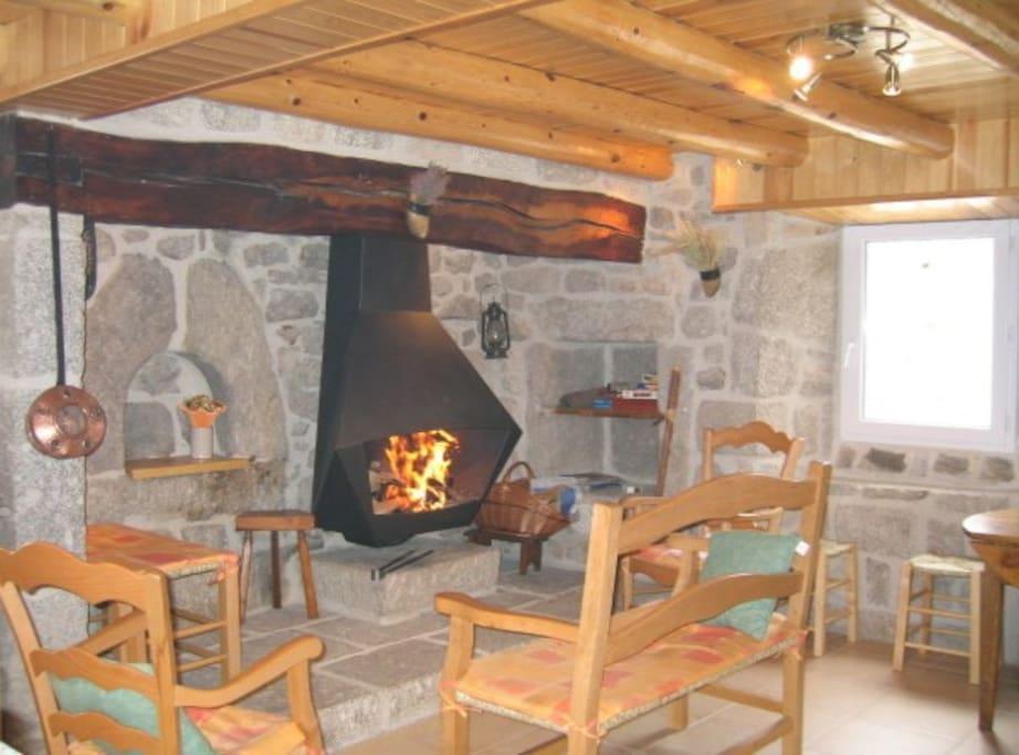 vraie cheminée à foyer ouvert