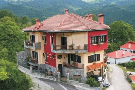 Agnadi Guesthouse - Desi