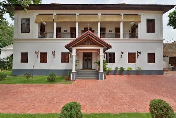 Heritage Stay near Padmanabhaswamy temple