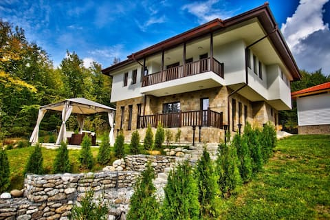 Villa ETA