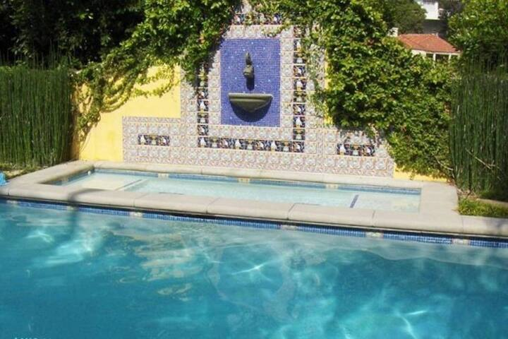 Sunset Strip/West Hollywood Private Guest Suite