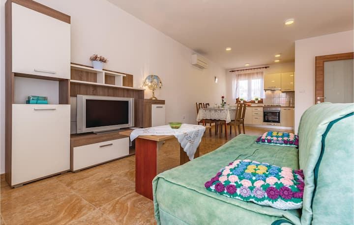 Stunning apartment in Pula with WiFi and 2 Bedrooms