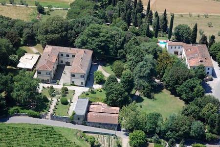 Campagna Toscana, piscina e tennis - Quarrata - Pis