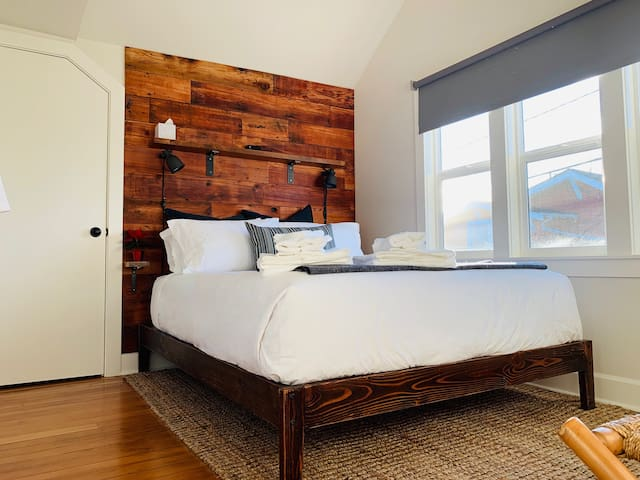 Doug Fir Room/Petite Hotel/NO cleaning fee